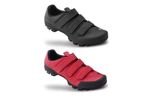 190a7d2c33 ... Sport MTB cipőt a legkedveltebb hegyikerékpáros cipővé a Specialized  cipő kínálatában. Ez a tartós, könnyű cipő, Body Geometry talpának és a  megnövelt ...